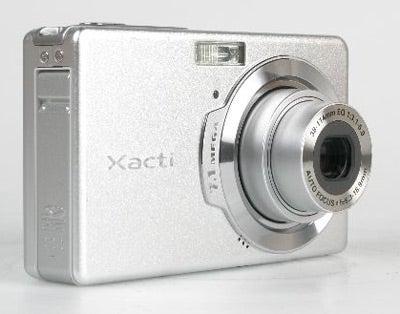 Sanyo Xacti E7