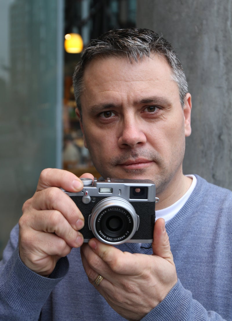 FujiFilm FinePix X100 First Look Hands On Preview 2011