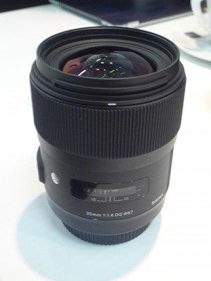 35mm f/1.4 DG HS lens