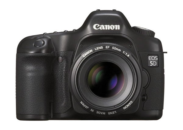 16 digital cameras that changed the world - canon eos 5d