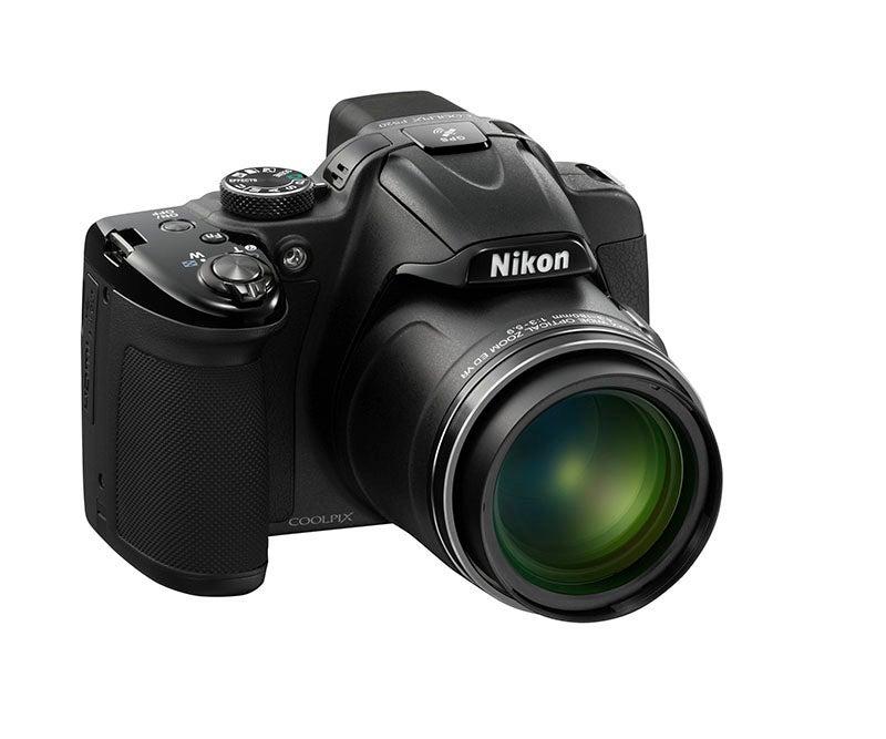 Nikon COOLPIX P520 angle view