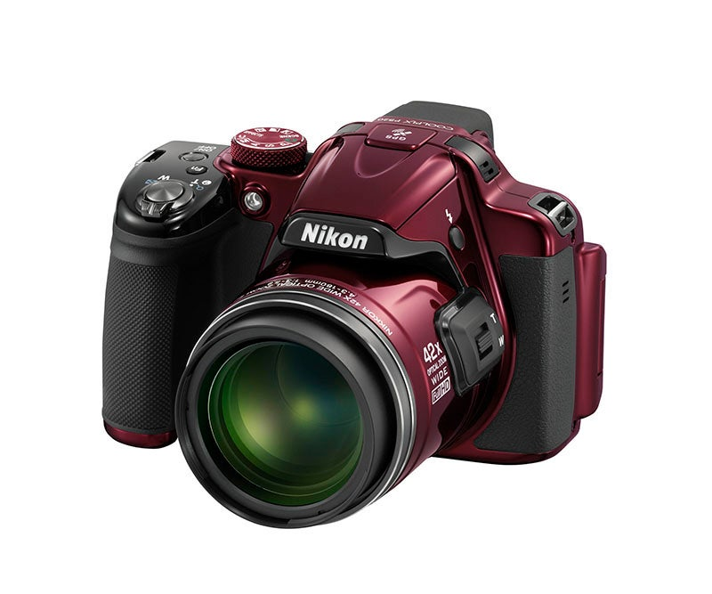 Nikon COOLPIX P520 angle red