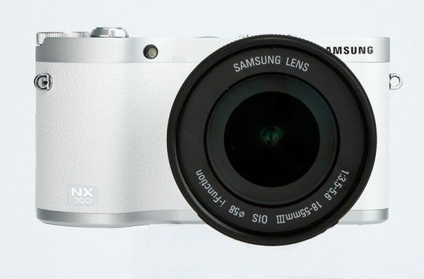 Samsung NX300 product shot 13