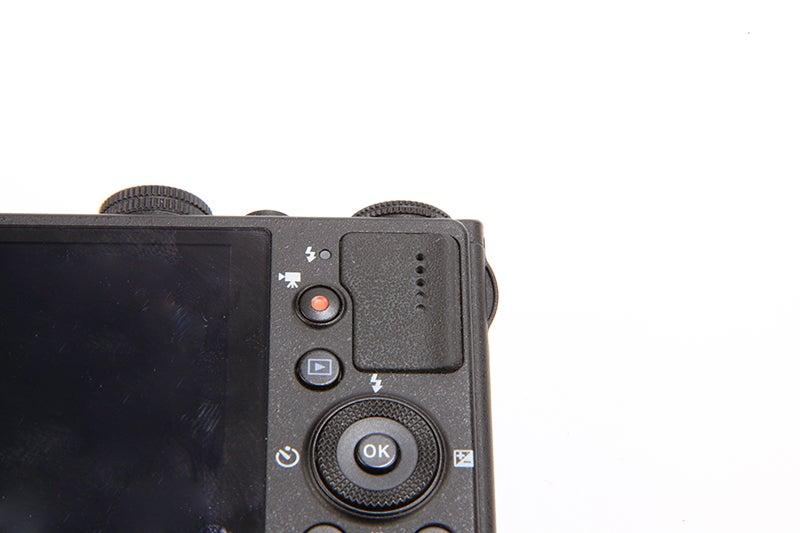 Nikon COOLPIX P330 Review - rear dial
