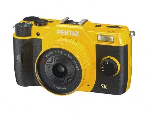 Pentax Q7 a front