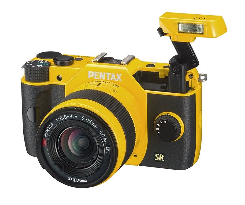 Pentax Q7 - Flash
