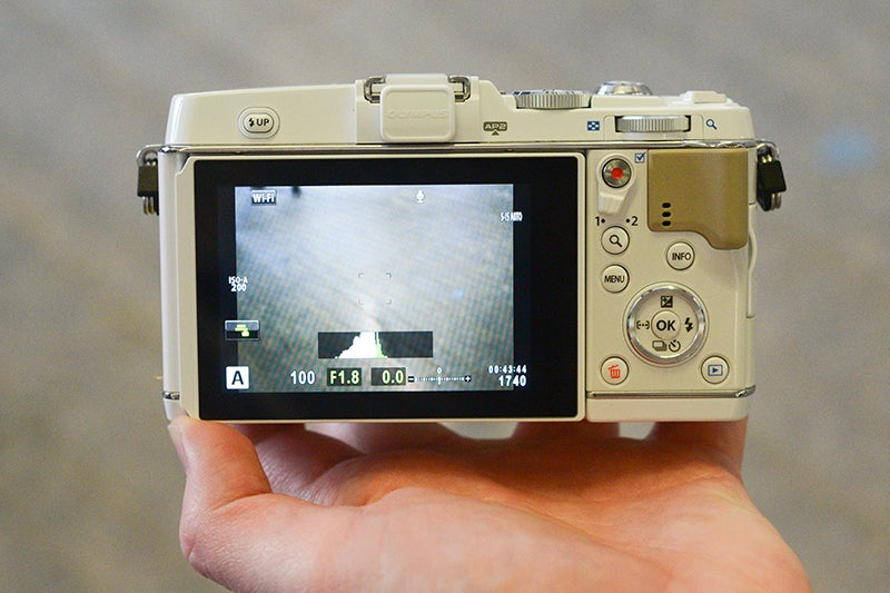 Olympus E-P5 back view
