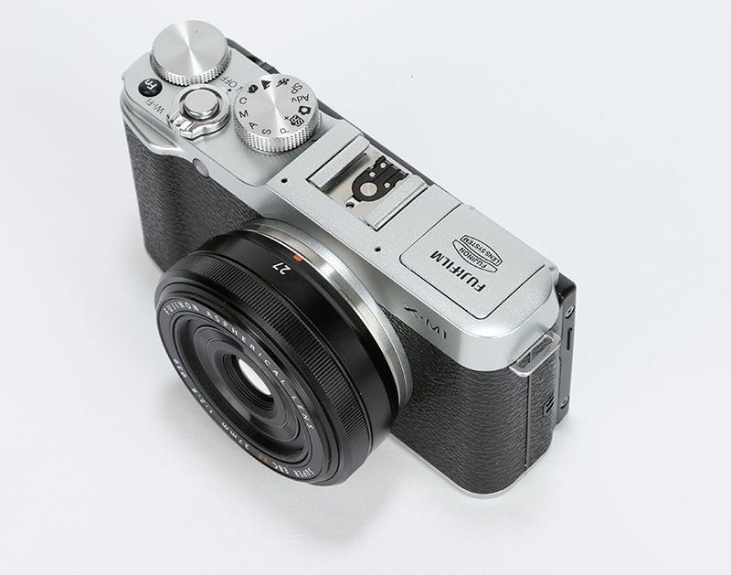 Fujifilm X-M1 Review - top angle