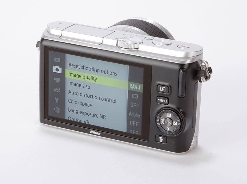 Nikon 1 J3 Review - rear angle