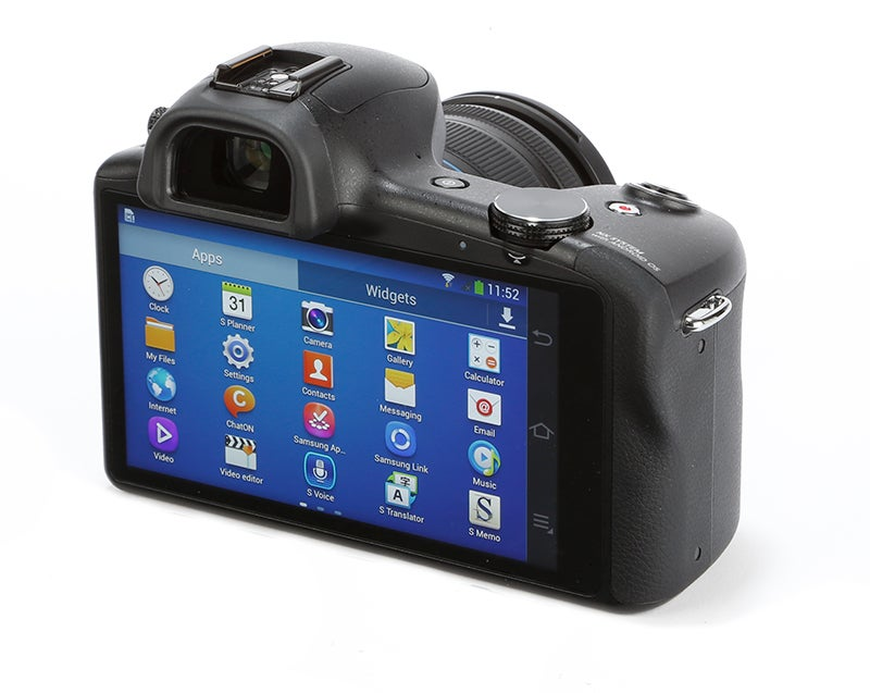 Samsung Galaxy NX Review - rear angle