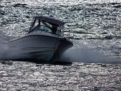 Panasonic Lumix FZ72 Review - boat