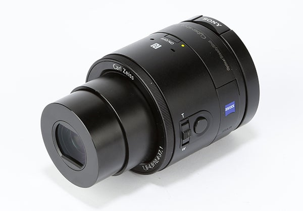 sony announces qx lens style cameras to connect with your. Black Bedroom Furniture Sets. Home Design Ideas