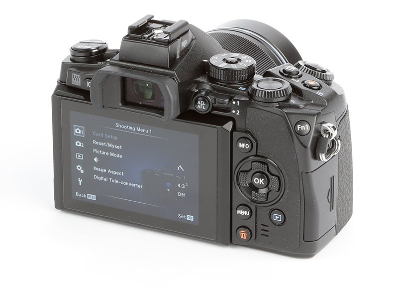 Olympus OM-D E-M1 Review – rear view