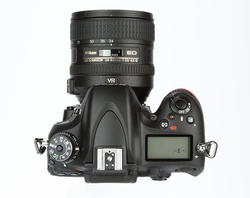 Nikon D610 Review – top plate