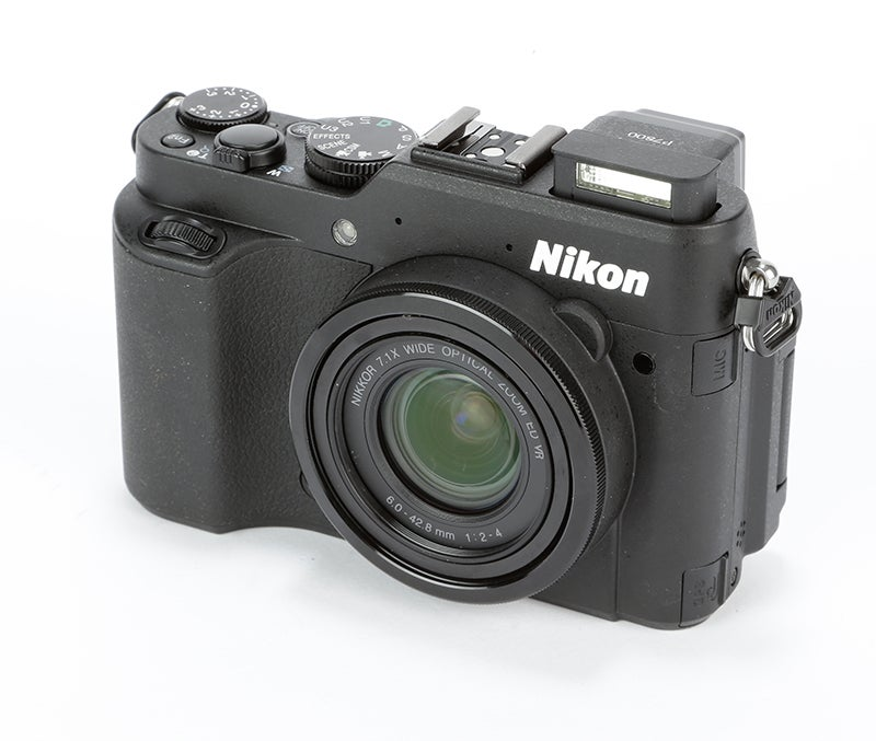 Nikon P7800 Review – angled