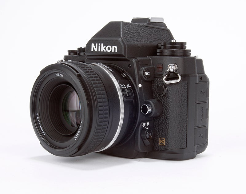 Nikon Df Review -  side angled