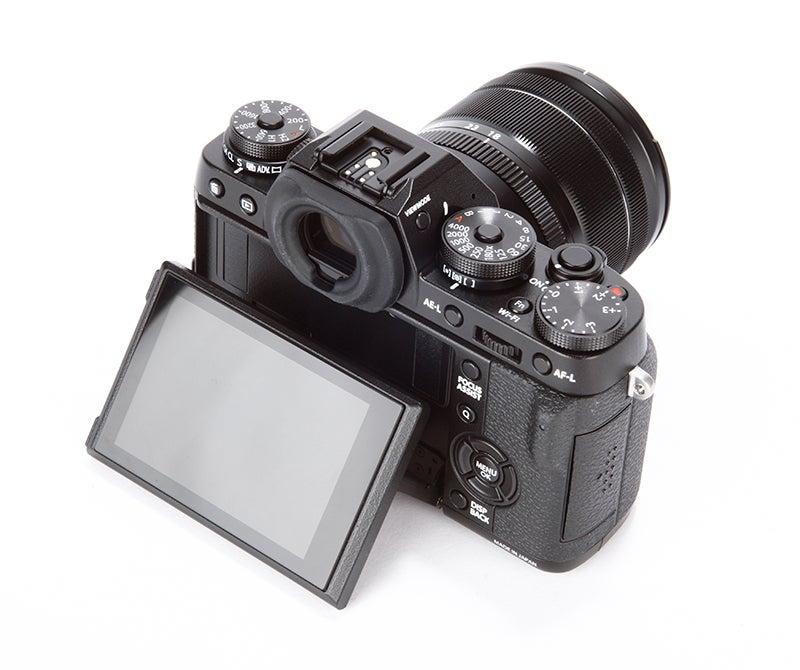 Fujifilm X-T1 vs Nikon Df - X-T1 rear angled