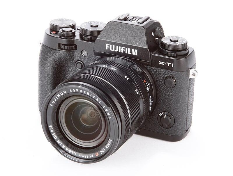 Fujifilm X-T1 vs Nikon Df - X-T1 angled