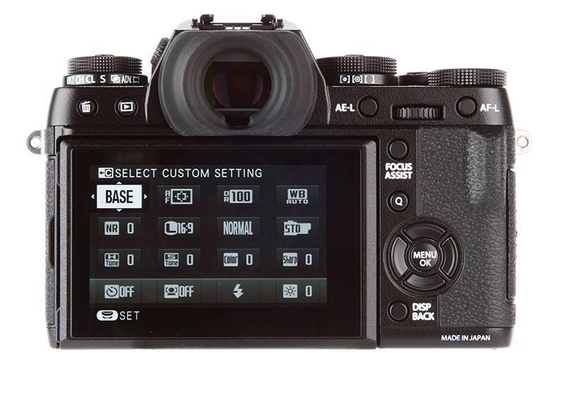Fujifilm X-T1 vs Nikon Df - X-T1 rear viewfinder