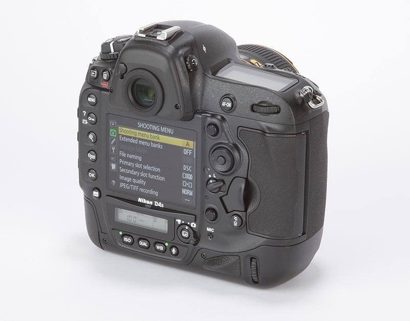 Nikon D4S Review - rear