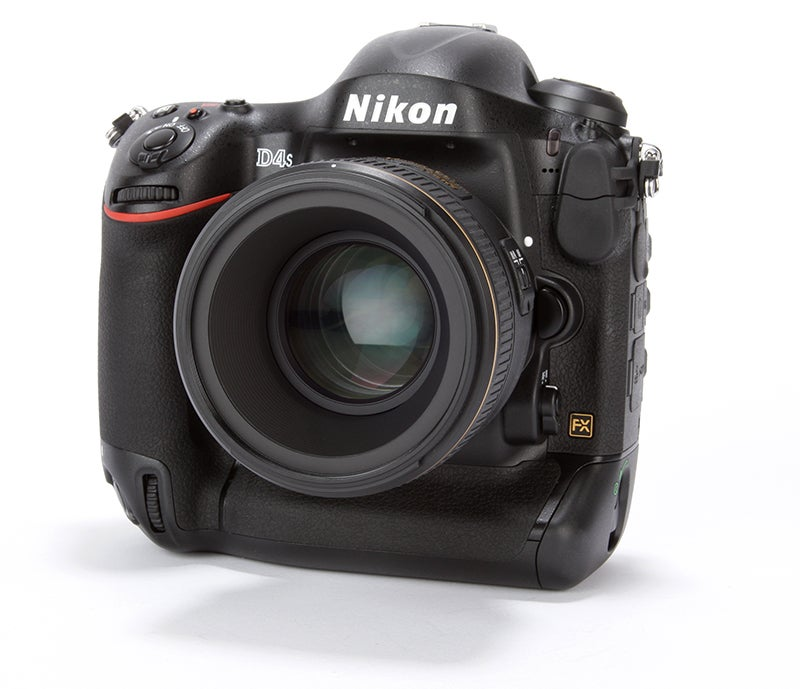 Nikon D4S Review - front angled