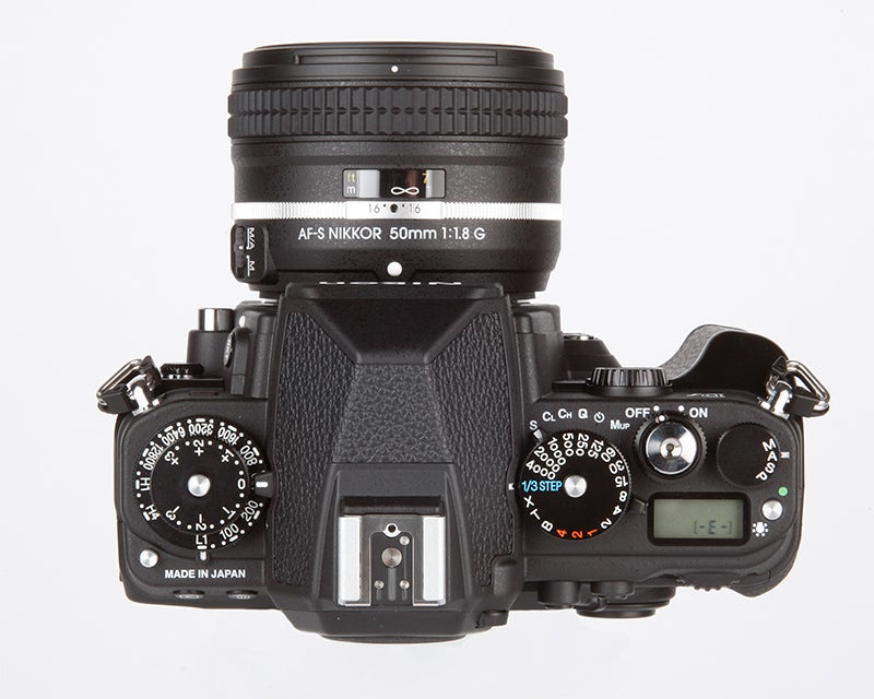Fujifilm X-T1 vs Nikon Df - Df top down