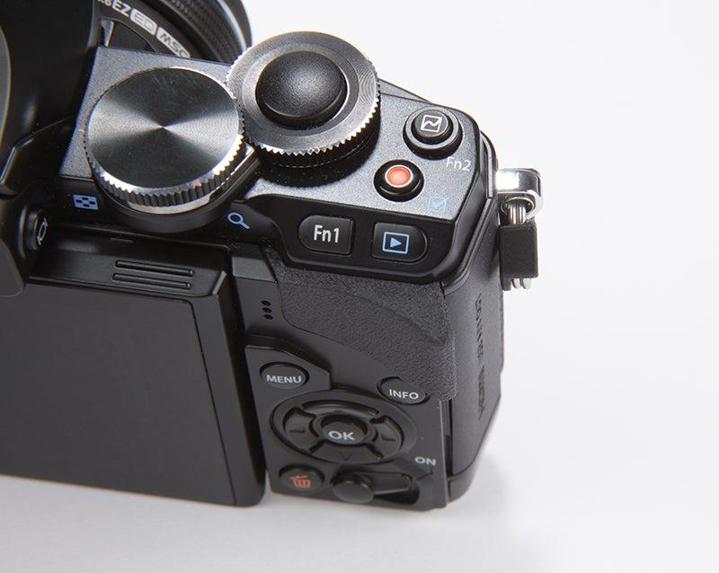 Olympus OM-D E-M10 Review - close-up