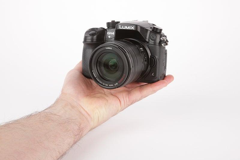 Panasonic Lumix GH4 Review - angled