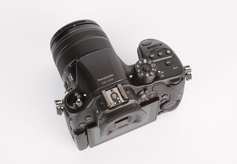 Panasonic Lumix GH4 Review - top down