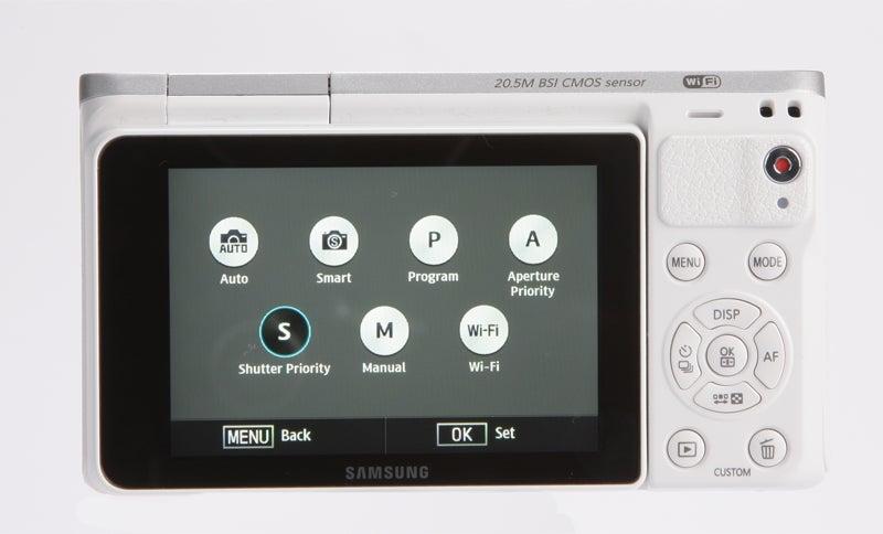 Samsung NX Mini Review - rear