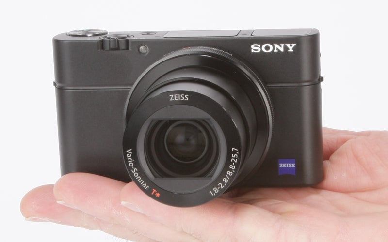 Sony Cyber-Shot RX100 III Review - in the hand