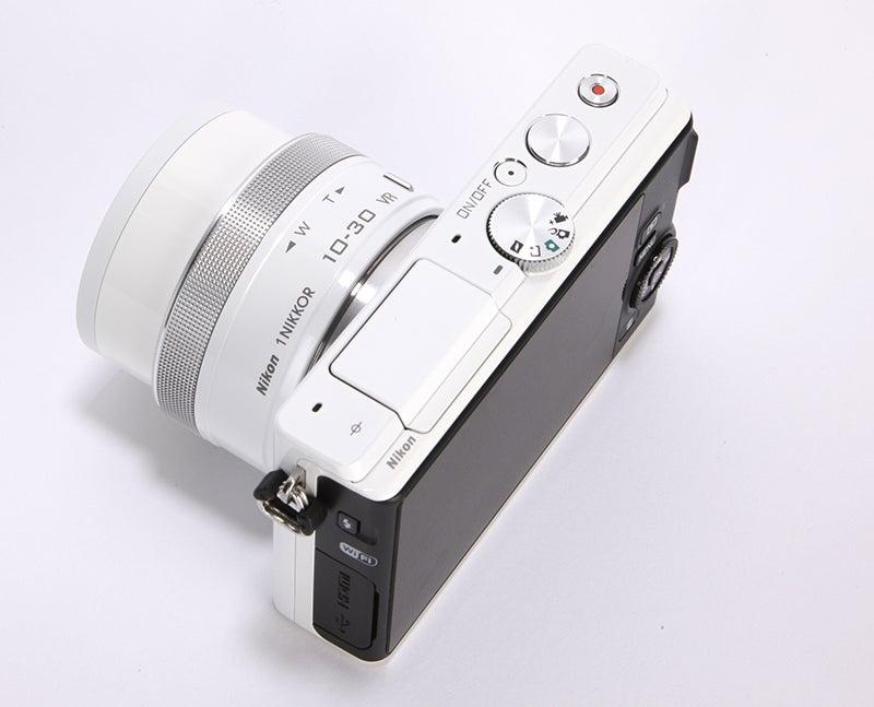 Nikon 1 J4 Review - top down