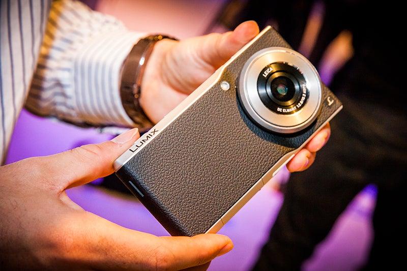 Panasonic Lumix CM1 hands-on