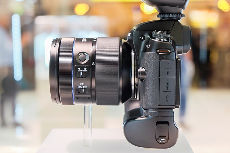 Samsung NX1 hands-on product shot