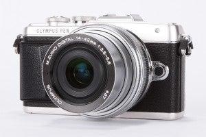Olympus E-PL7 product shot 11