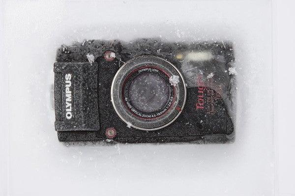 Olympus-TG-4-frozen