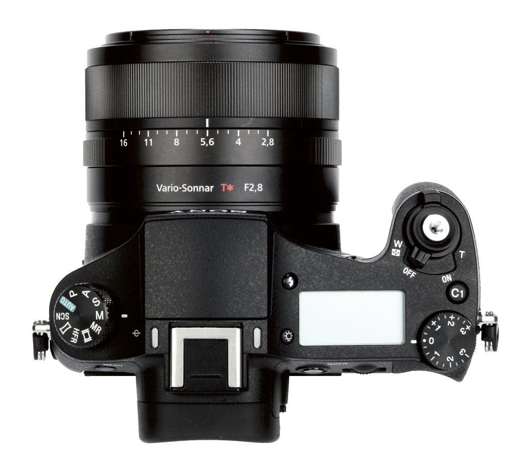 Sony-Cyber-shot-DSC-RX10-II-top