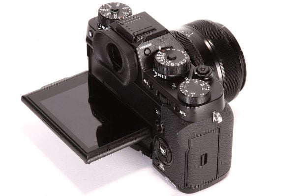 Like on the X-T1, the screen tilts upwards and downwards