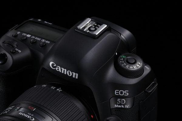 Canon EOS 5D Mark IV Vs III