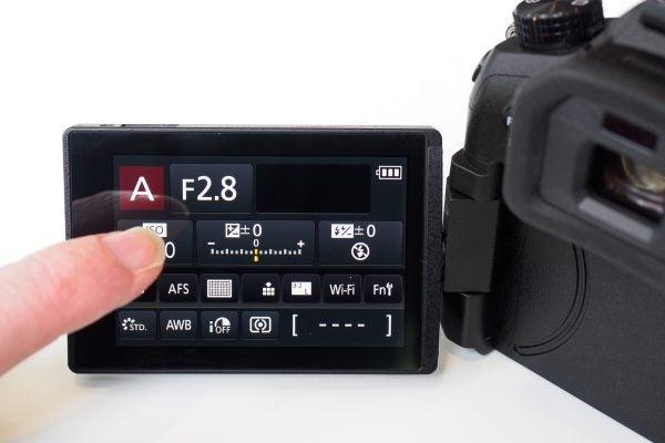 Panasonic FZ2000 screen