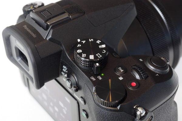 Panasonic FZ2000 controls