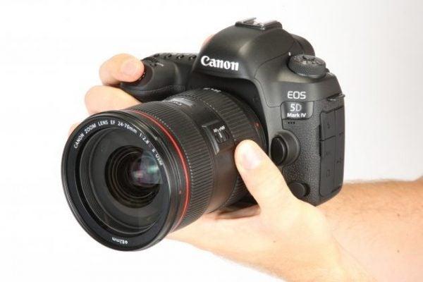 Canon EOS 5D Mark IV Vs Nikon D810